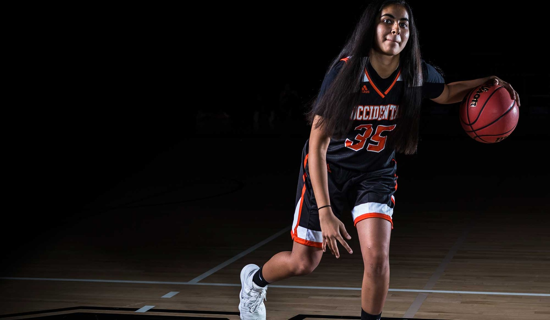 Oxy Cruises Past St. Katherine in Opener