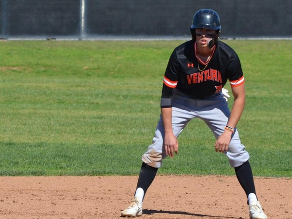 VC Baseball Continues to Rip the Ball in Victory - Ventura