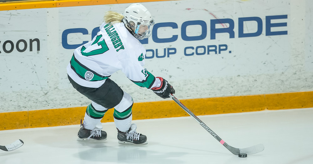 Women's hockey wins in shootout over T-Birds