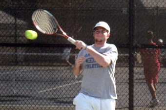 Men's tennis finishes fourth at UAA championships after 5-2 loss to #7 CMU