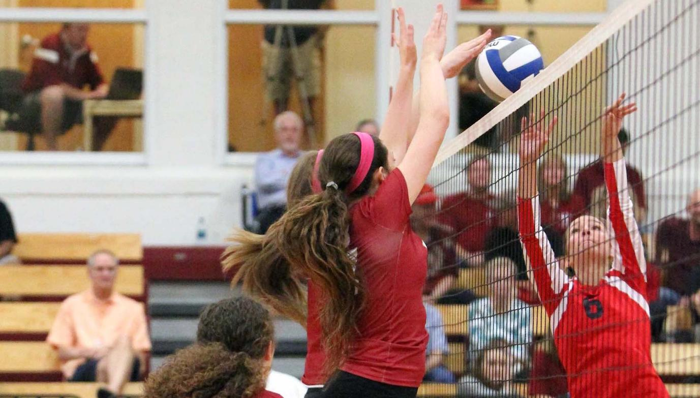 'Roo Volleyball Tops Dallas