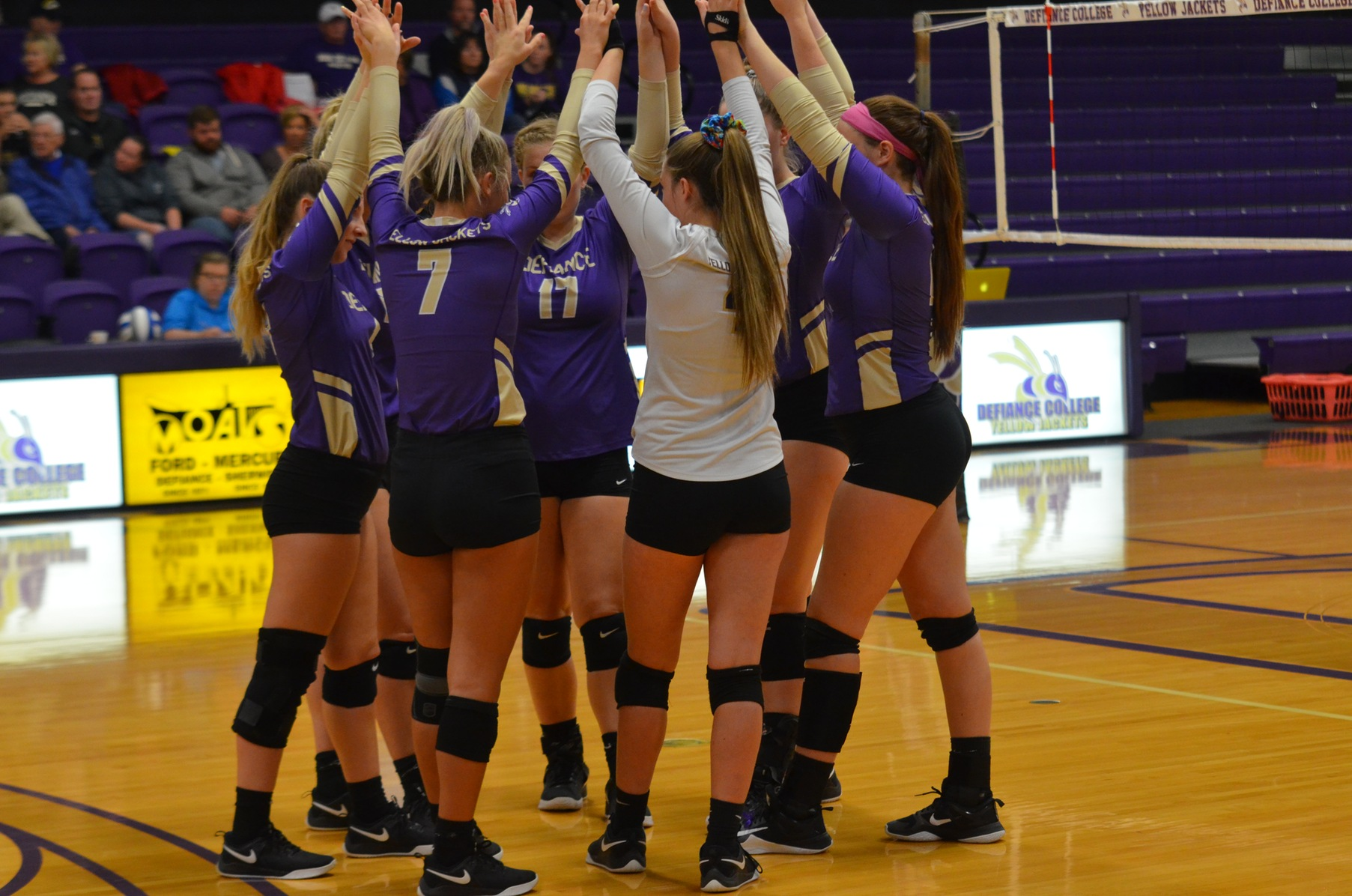 Thrilling Victory Sends Volleyball Back to HCAC Tourney