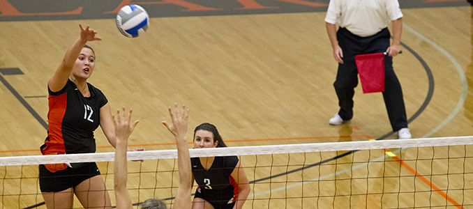 Volleyball Nears End of First Half of NWC Play With 3-1 Loss at Pacific