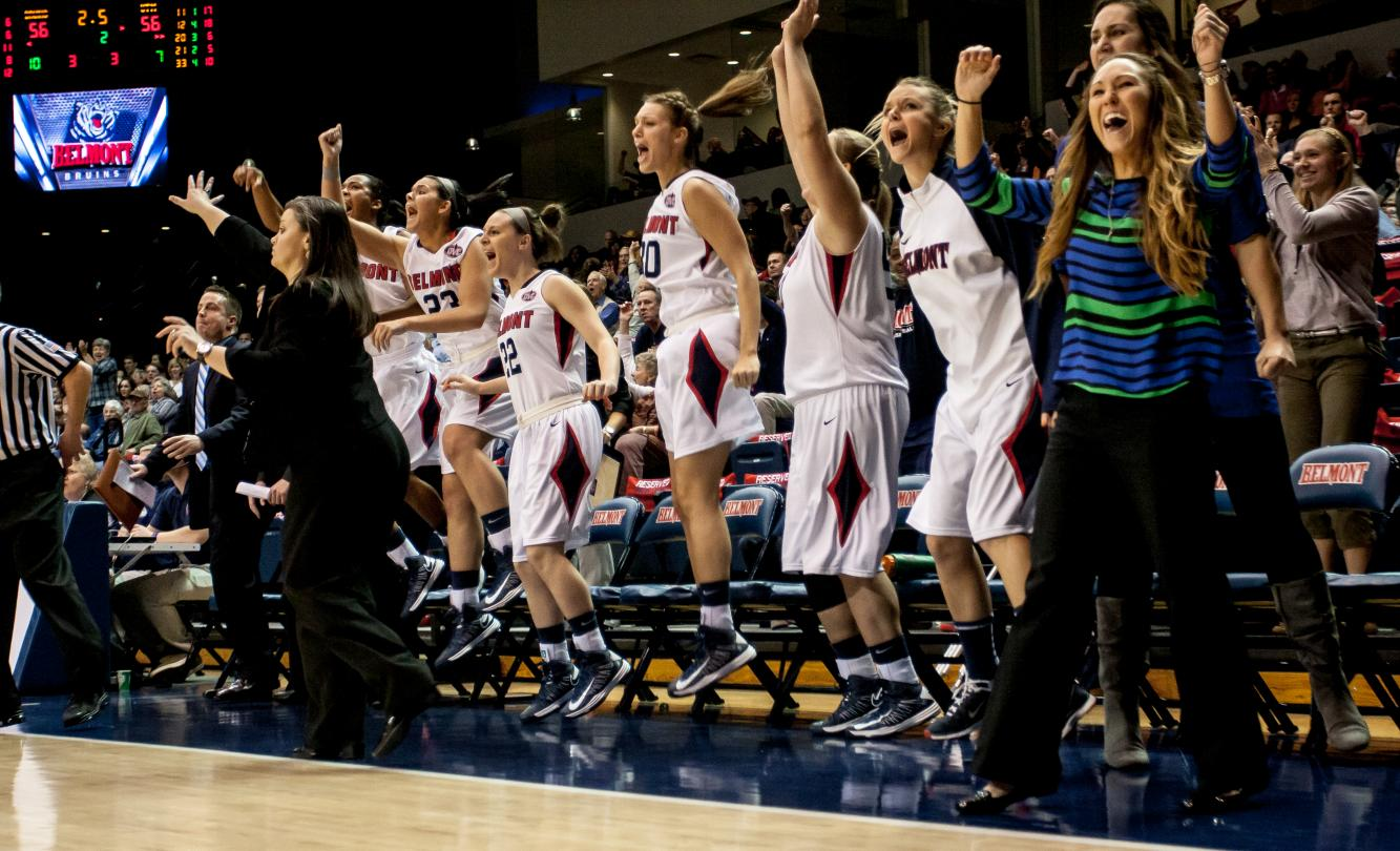 Women's Basketball Laces up Dancing Shoes for First Time Since 2007
