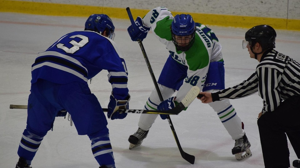 Second period surge propels Seahawks to 7-2 victory
