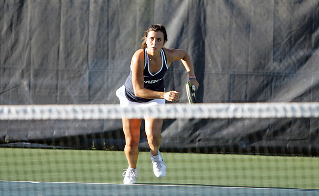 Women's Tennis Tripped Up by Pilots