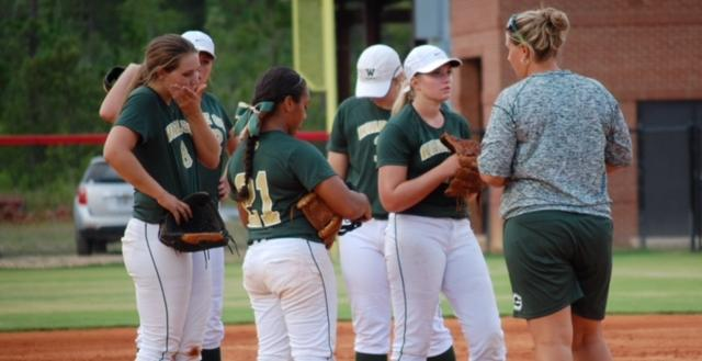 Lady Gators drop close game against Tift