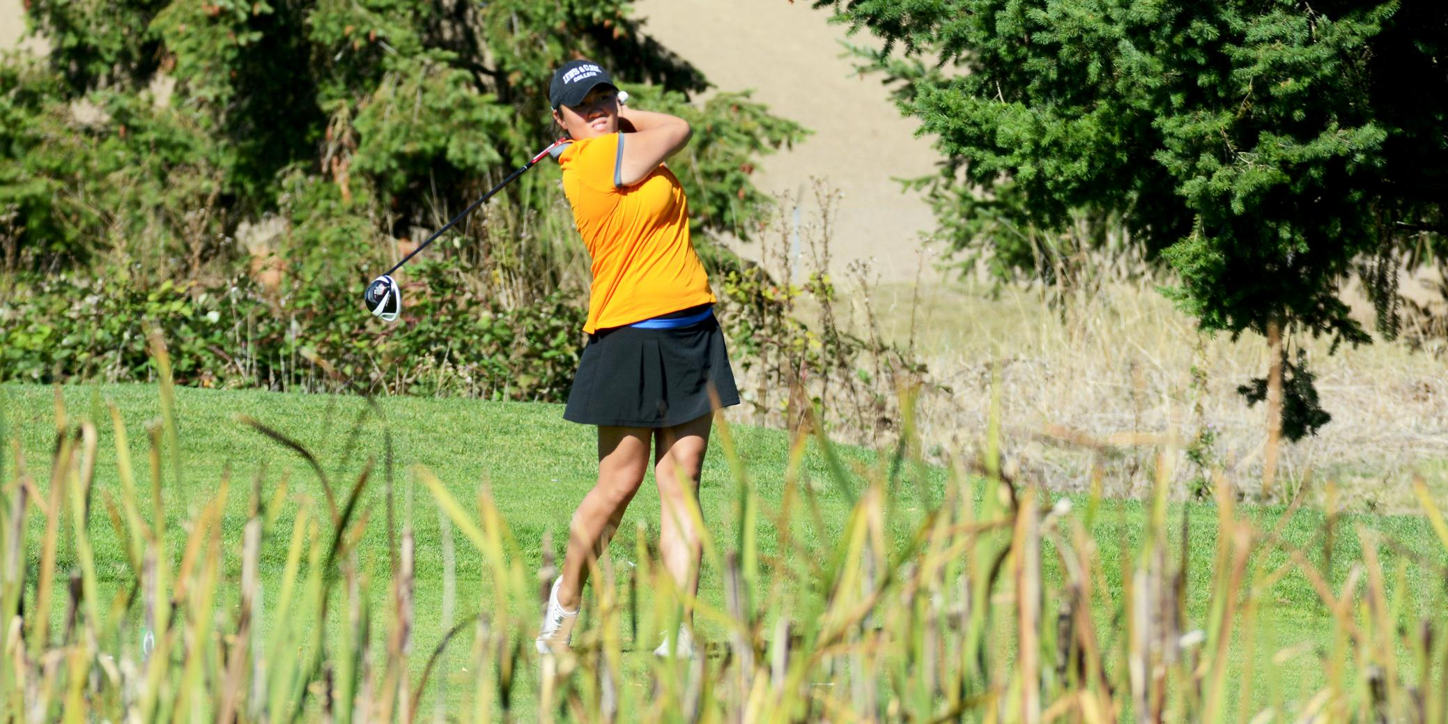 Lewis & Clark takes third at NWC Fall Classic