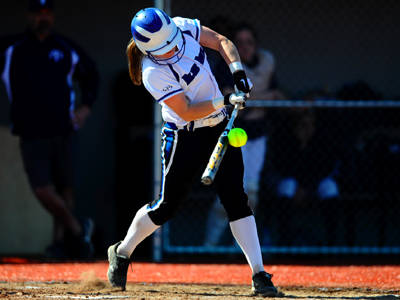Softball's Winning Streak at Eight Games After Sweep of FDU