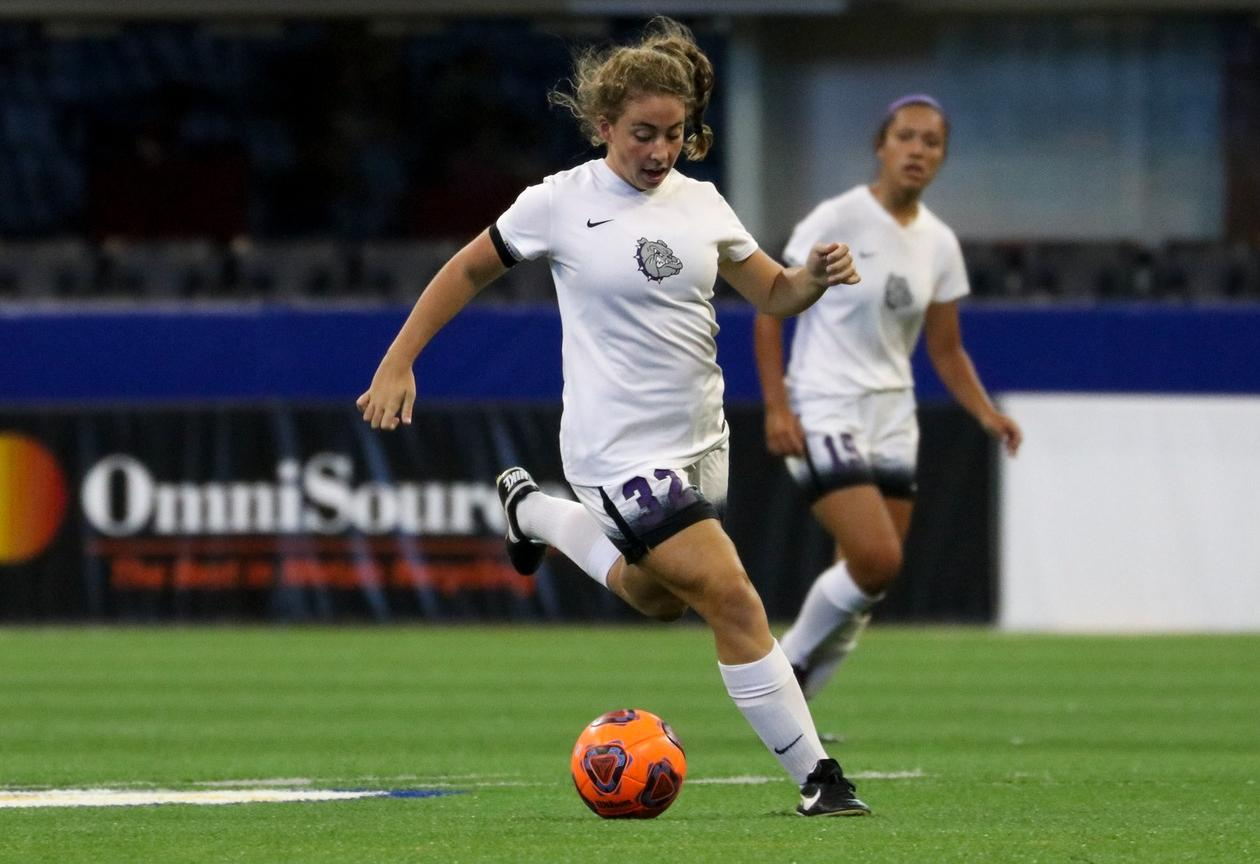 Dawson scores her first goal as @bhsdogs_gsoccer ties No. 8 Fishers