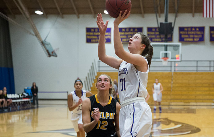Women's basketball pulls away from Franklin Pierce, moves into second-place tie