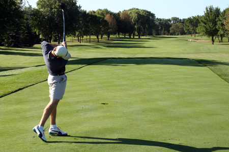 Wengel leads Men's Golf to fourth place finish at CUW Elite-8 Invite