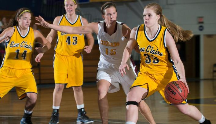 Women's Basketball Ends Losing Streak with Win over Morris