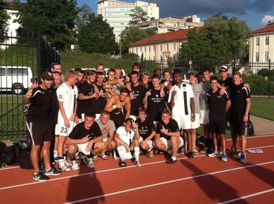 Petrels Win Sonny Carter Invitational