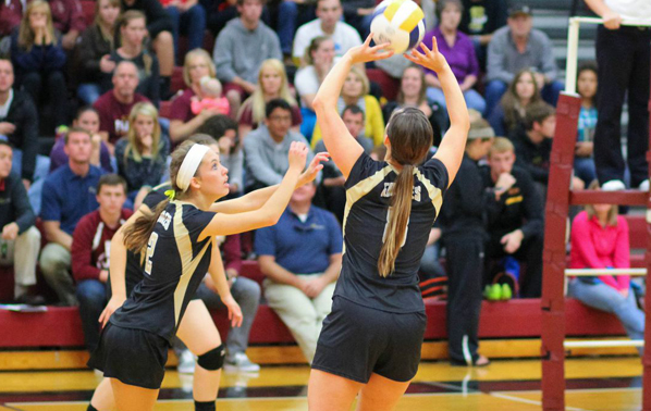 Women's Volleyball Earns Sweep