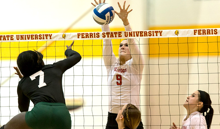 #22 Ferris State Dominates Wayne State To Keep GLIAC Title Hopes Alive