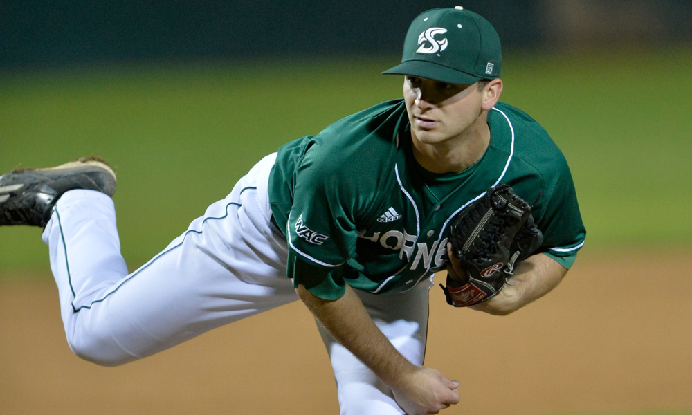 BASEBALL TAKES SERIES FINALE AT NEW MEXICO STATE, 6-2, BEHIND ROOT'S DOMINANT START