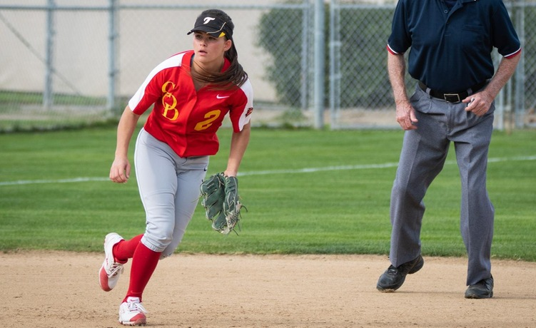 COD Softball rolls to top of the PCAC with win over the Griffins, 5-1