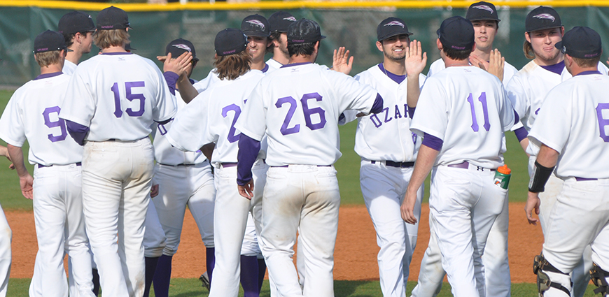 Ozarks Defeats Grinnell In 32-Hit Offensive Battle