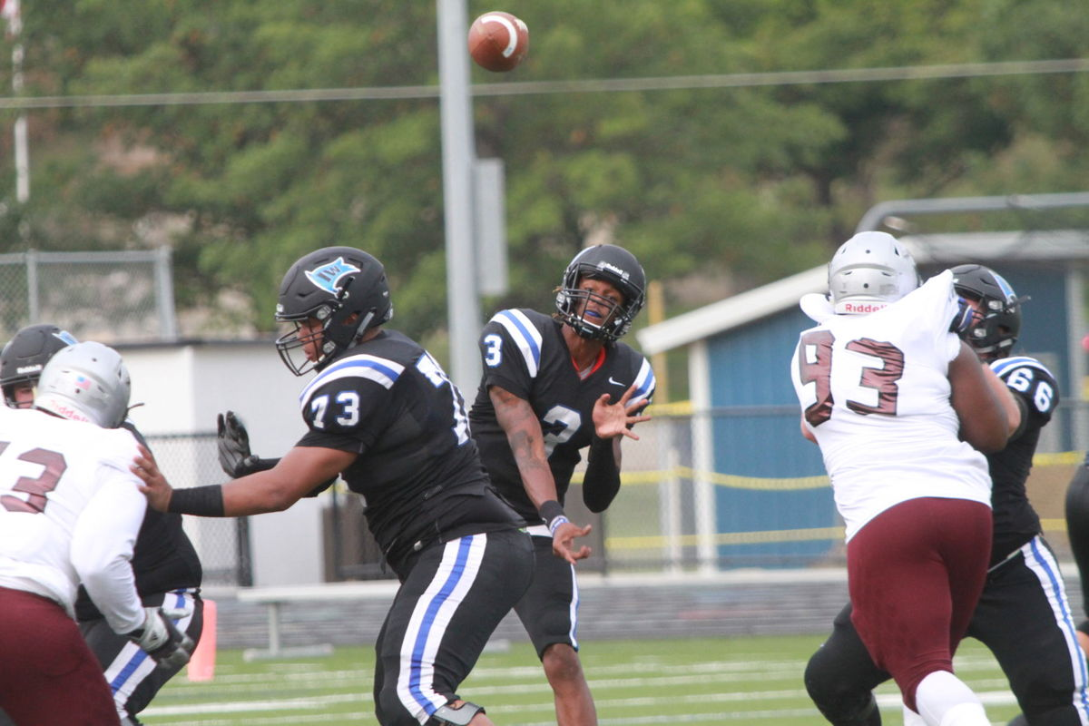 Iowa Western QB Kai Locksley honors brother with performance in rout of Fort Scott