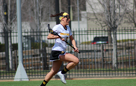 First Half Run Helps Curry Past Women's Lacrosse