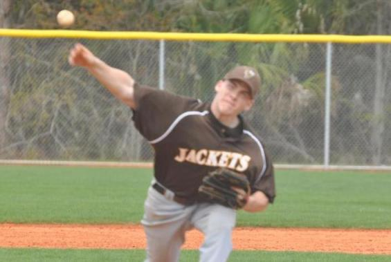 Baseball Team Sweeps La Roche In Non-Conference Doubleheader