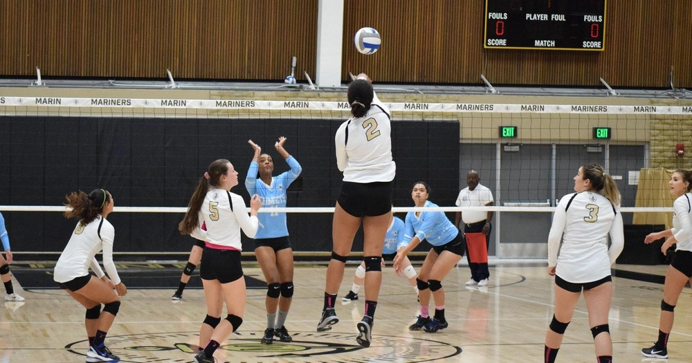 Volleyball's Streak Reaches Five in 3-0 Victory Over Mendocino