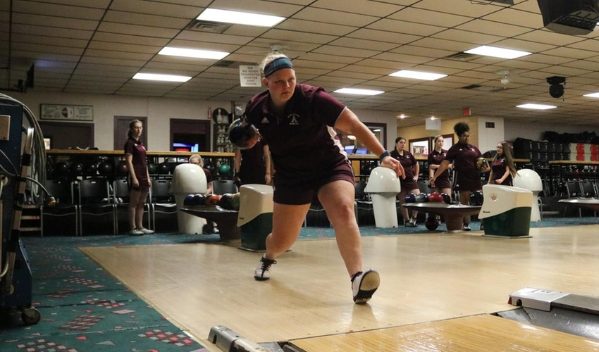 Women's Bowling Ends the Weekend with Second Place Finish