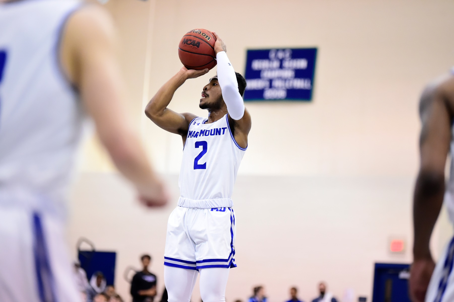 Men's Basketball Battles Past Cougars To Advance To ECAC Quarterfinals