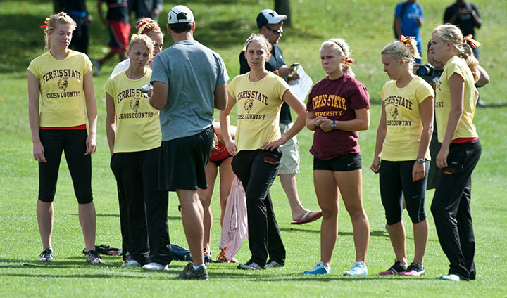 SEASON PREVIEW: Women's Cross Country Ready For 2013 Fall Campaign