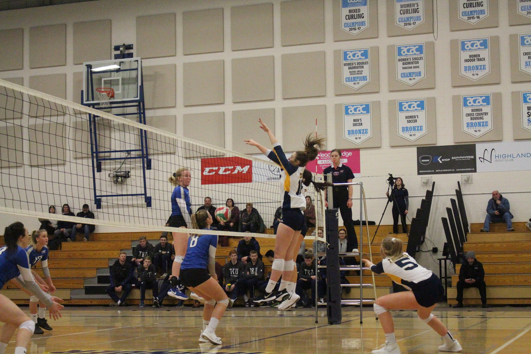 Thunder falls to Eagles in 3 sets