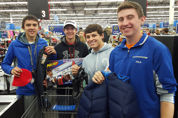 Allen Athletics Giving Back at Christmas