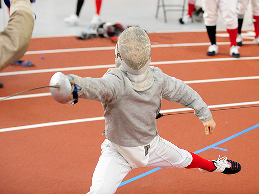 Men's fencing posts 4-1 record at Haverford Invitational
