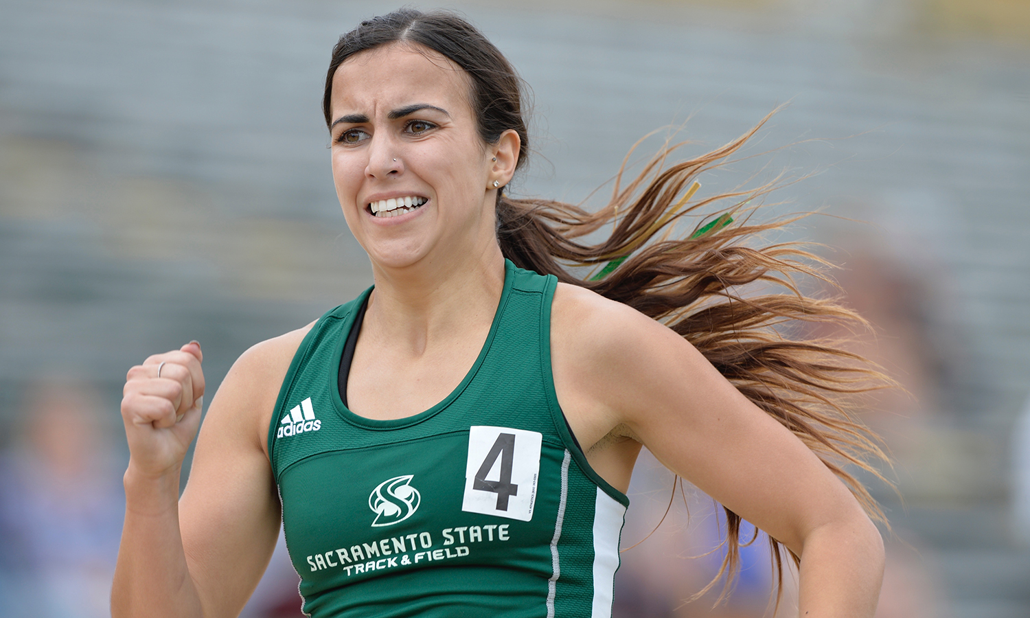 TRACK & FIELD STARTS UW INVITATIONAL WITH FOUR TOP 10 MARKS