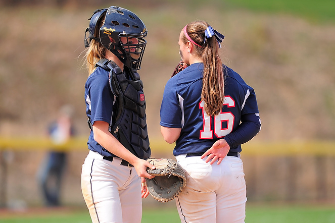 Softball Picked To Defend AMCC Titles