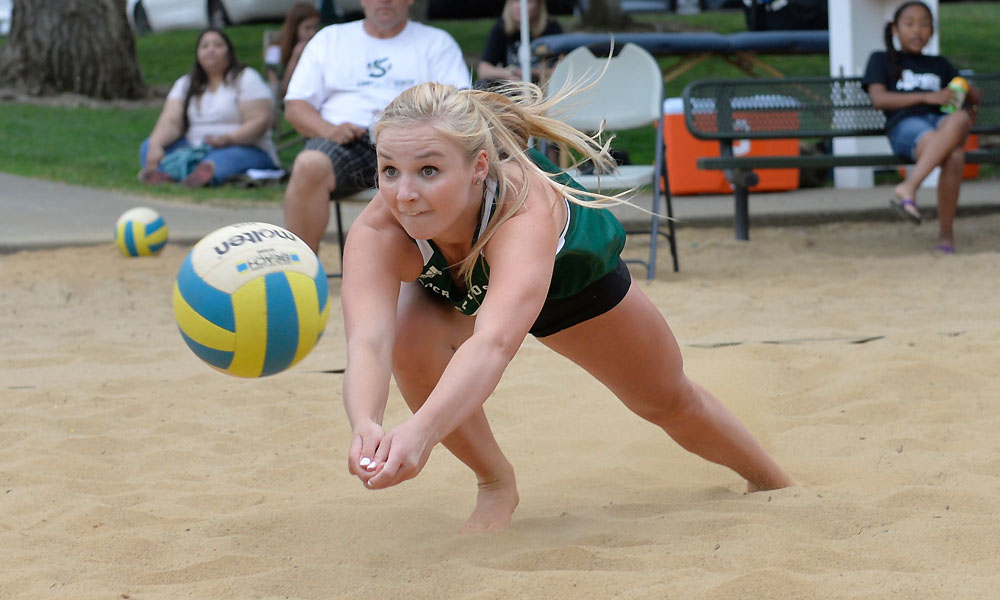 BEACH VOLLEYBALL CONCLUDES REGULAR SEASON WITH A PAIR OF LOSSES