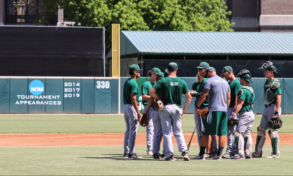 BASEBALL TRAVELS NORTH THIS WEEKEND TO FACE OREGON STATE, OREGON IN FALL COMPETITION