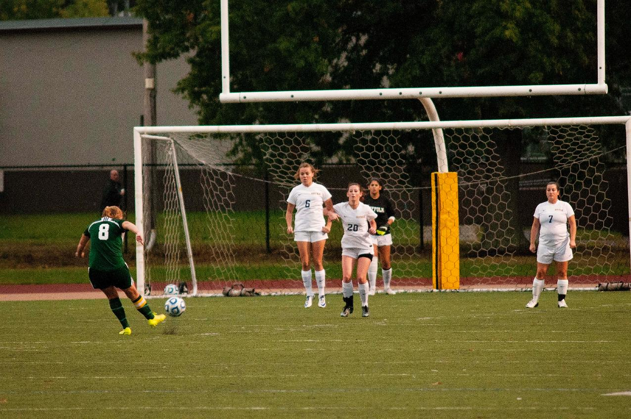 Gordon Rolls Past Women's Soccer