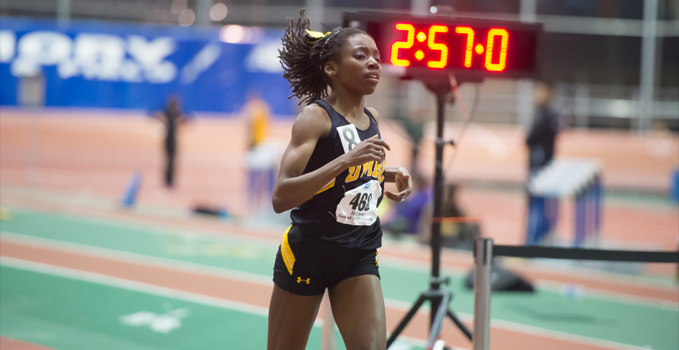 Distance Runners Lead Retrievers at Great Dane Classic