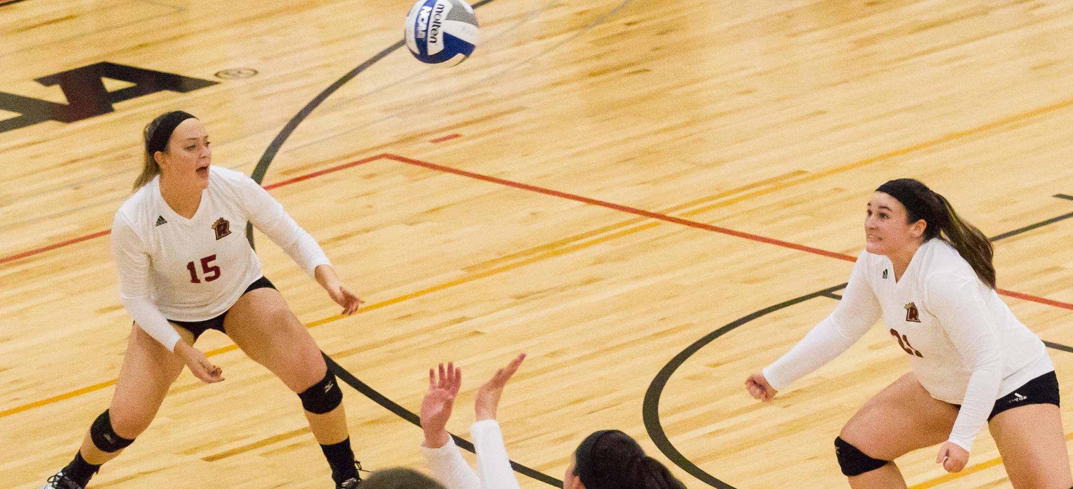 Simmons Takes Down Women's Volleyball