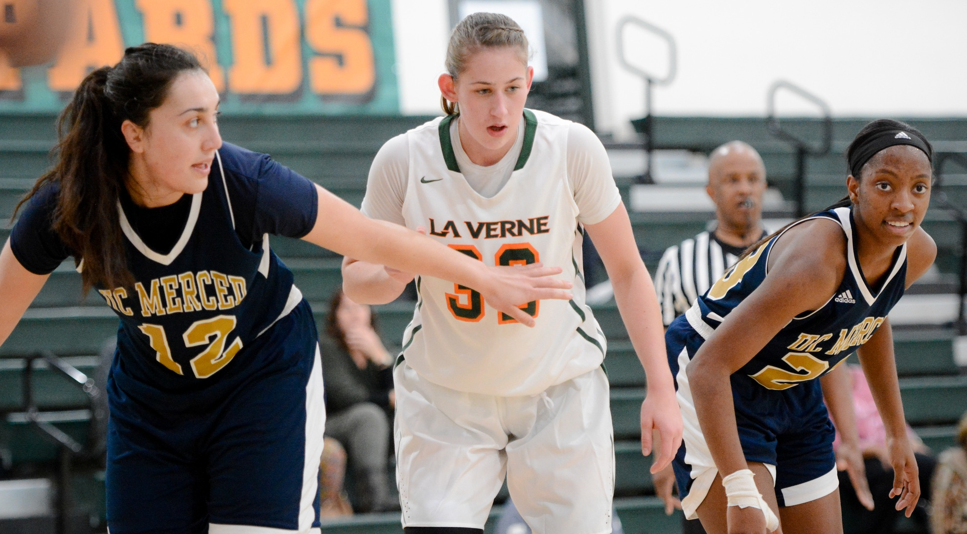 Chapman pulls away in second half to beat La Verne 79-58