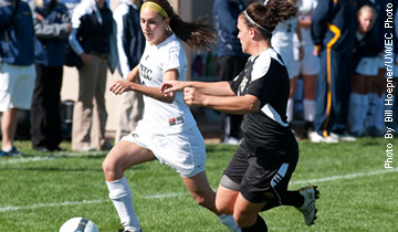 Soccer Pushes Win Streak to Eight with 1-0 Victory over Luther
