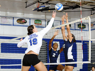 Volleyball Tops Providence in Four Sets on the Road on Wednesday Night