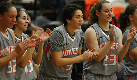 #6 Women's Basketball Wins Sixth Straight in 69-66 Victory Over Concordia
