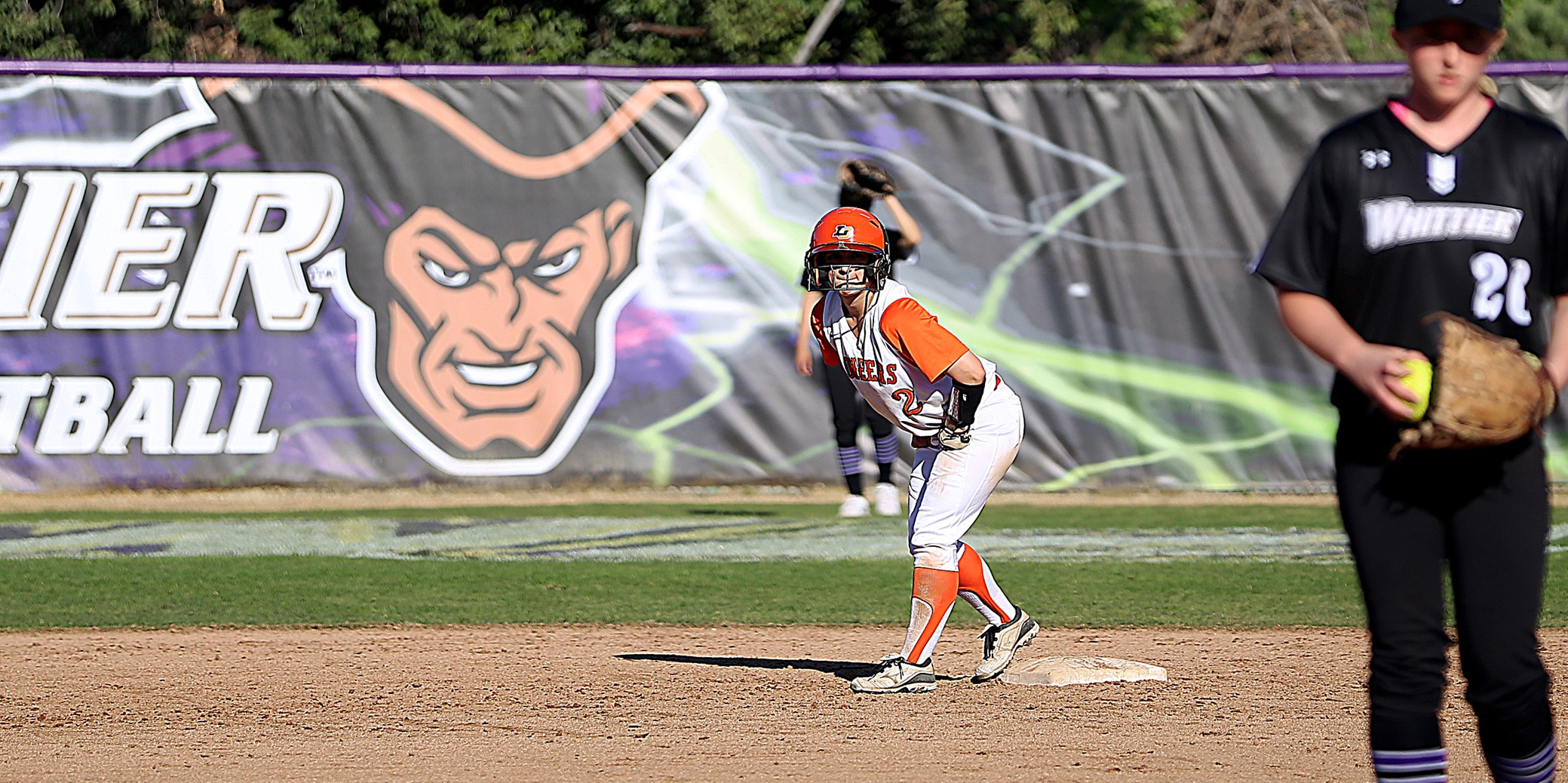 Pair of homers lifts Pios to win