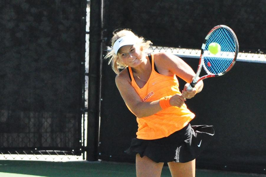 Women's Tennis Claims Decisive First Win