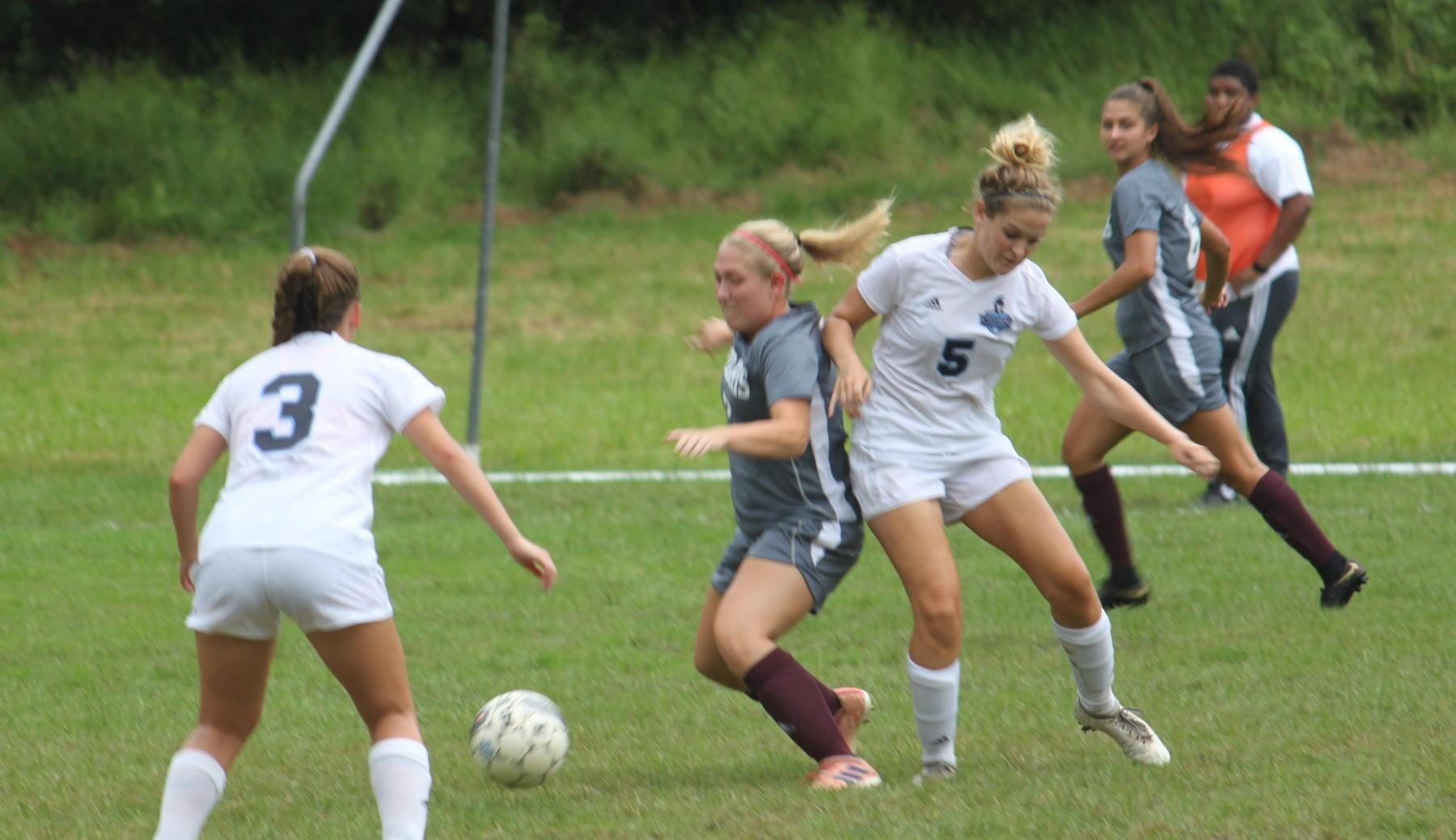 Women's Soccer Falls to Nationally Ranked Union