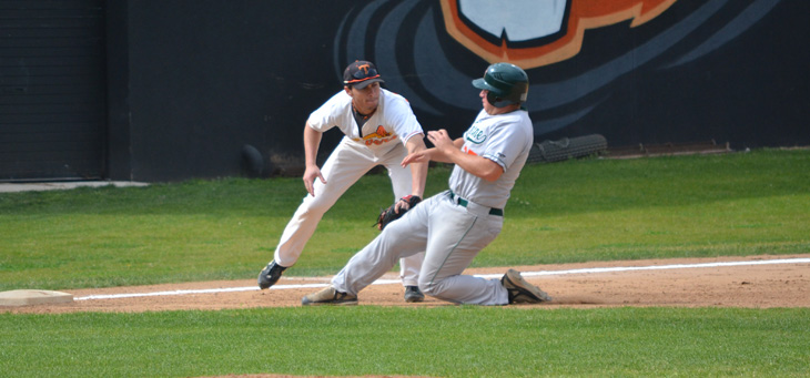 La Verne, Caltech Start Final Month of SCIAC Play