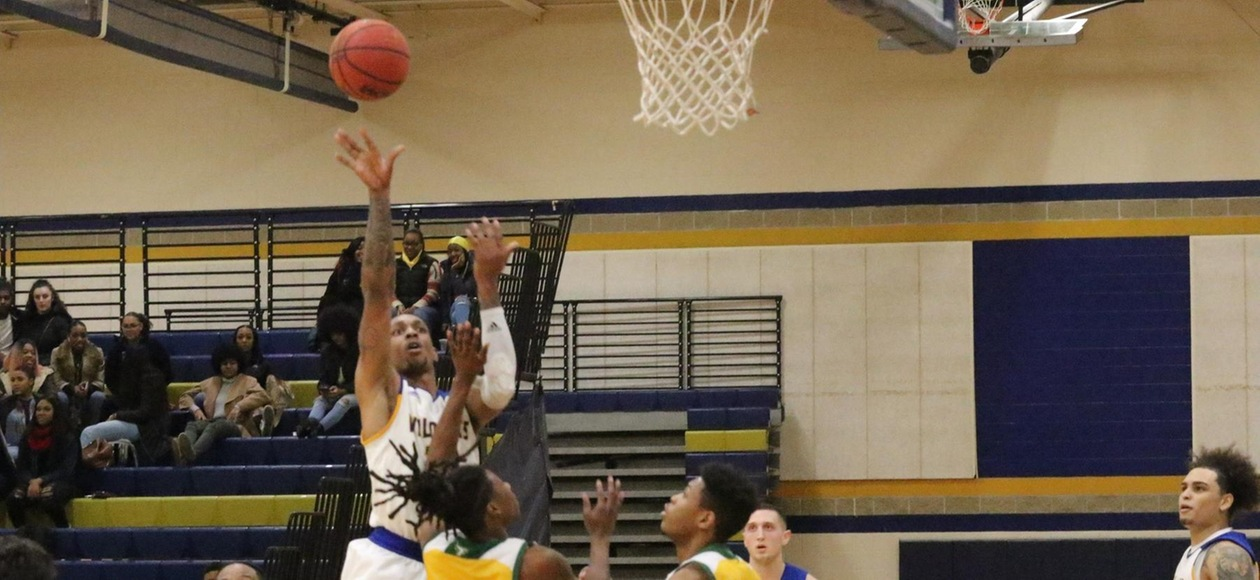 Suffolk Edges Men's Basketball 77-67