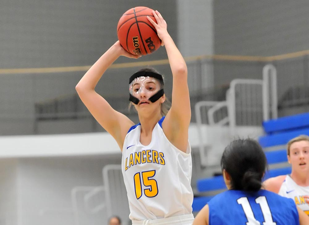 Women's Basketball Topped by Westfield in MASCAC Semifinal; Carens Nets Career-High 21 Points in Loss